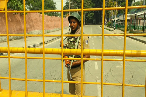 Post migrant employees in secure zones: Div Com to DCs, SSPs
