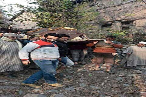 Muslims perform last rites of Pandit in Ganderbal
