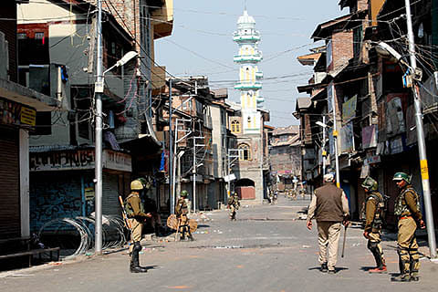 Forces enforce restrictions in Srinagar areas