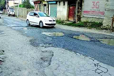 Wawoosa Rangreth residents demand drainage construction