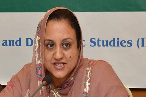 Kashmir-born Pakistani woman Farhat Asif wins N-Peace Award