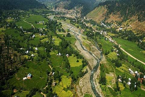 Keran without basic facilities, residents rue official apathy