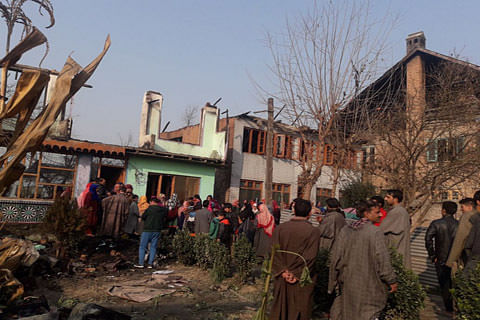 Kashmir: Fire damages five residential houses in Soibugh Budgam
