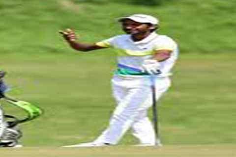 Rashid Khan leads at halfway mark after stunning fightback