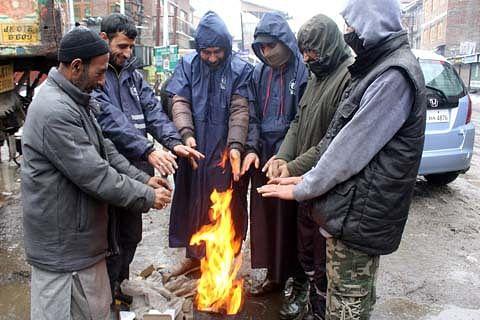 Minimum temperatures dip below zero in Kashmir, Ladakh