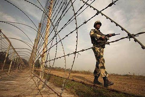 3 Pakistan soldiers killed in LoC firing