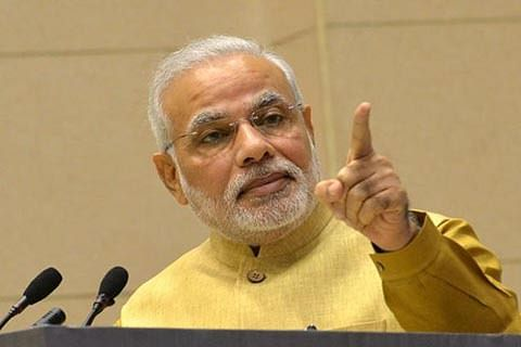 PM meets his mother in Gujarat