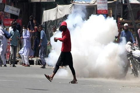 BJP favours 'amnesty' to more stone-throwers