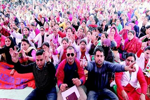Day 8: NHM employees continue strike
