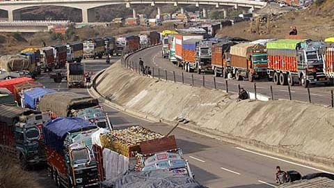 Traffic resumes on Sgr-Jmu highway