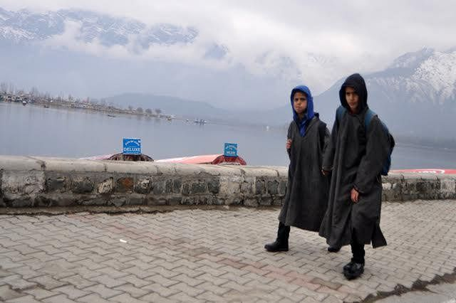 J&K shivers in intense cold as clear night sky plummets temp