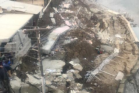 Govt orders inquiry into caving-in of Jhelum bund at Lasjan