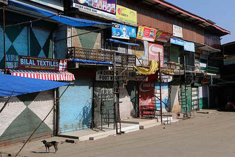 Shopian, Pulwama shut against militant, civilian killings