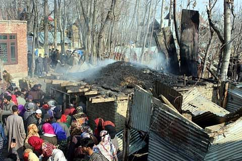 Boy, 10, wounded after unexploded shell goes off in Shopian
