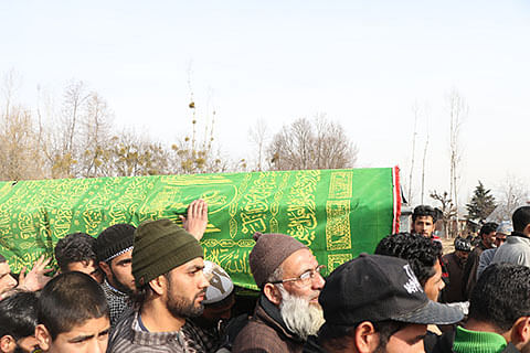 Amid tears, Shopian teenager laid to rest