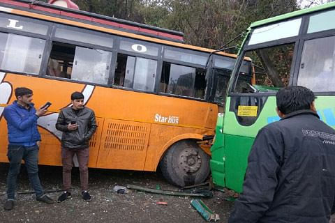 20 injured after vehicles collide in Rajouri
