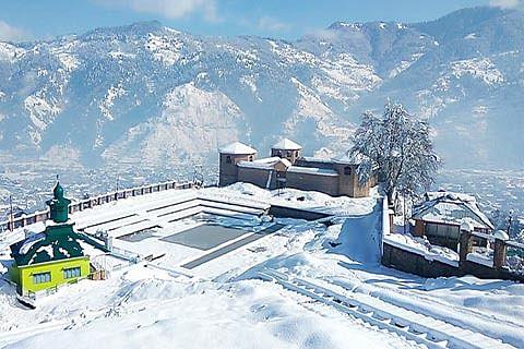 Heavy snowfall in Chenab Valley
