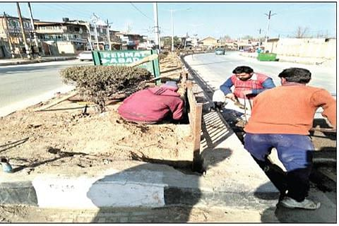 3 years on, authorities fail to beautify IG Road