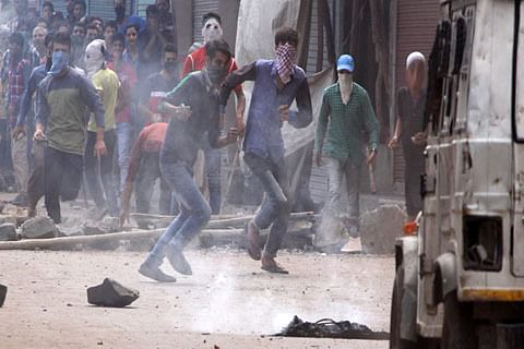 Clashes erupted in Pulwama village during search operation