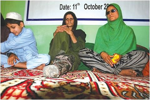 Interacting with Women on LoC