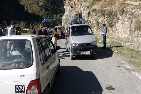 Mughal Road reopens after landslide cleared in Poonch