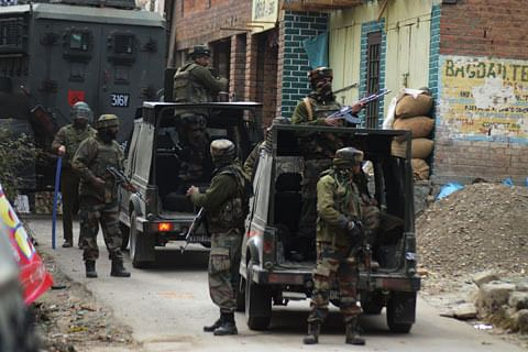 Two protesters, cop injured in clashes near gunfight site in south Kashmir's Shopian
