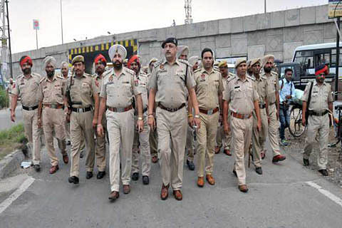 Punjab police officer's hand chopped off in lockdown attack