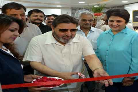 Fashion industry has immense scope for entrepreneurs: Altaf Bukhari