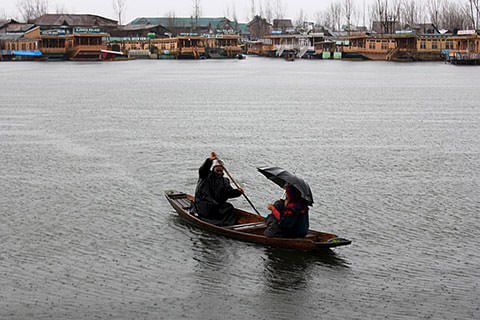 Fear of drought in Srinagar amid prolonged dry spell, advisories issued