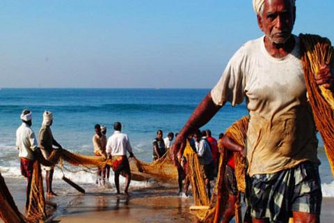 Over 2,000 Tamil Nadu fishermen chased away by SL Navy
