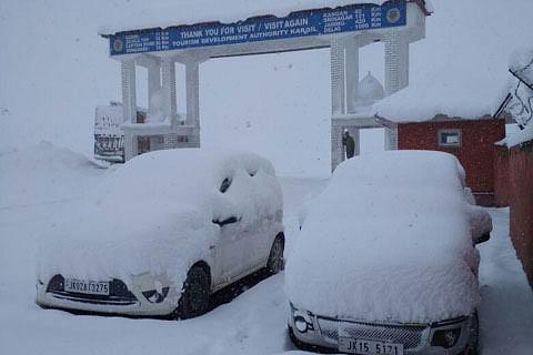 Srinagar-Leh highway closed