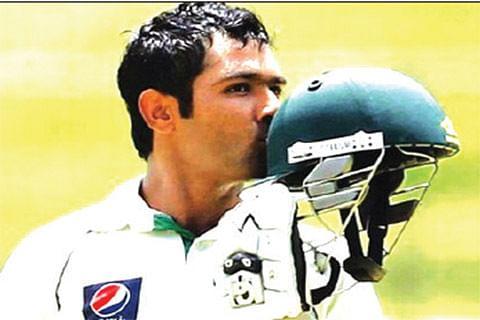 Century-maker Shafiq leads Pakistan run-spree