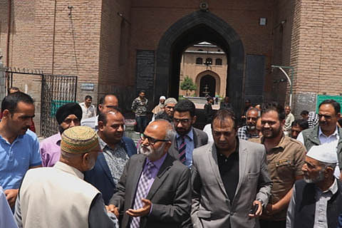 Naeem Akhtar reviews works in Downtown