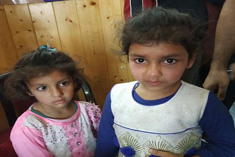 Police seeks public help in identification of two minor sisters in Srinagar