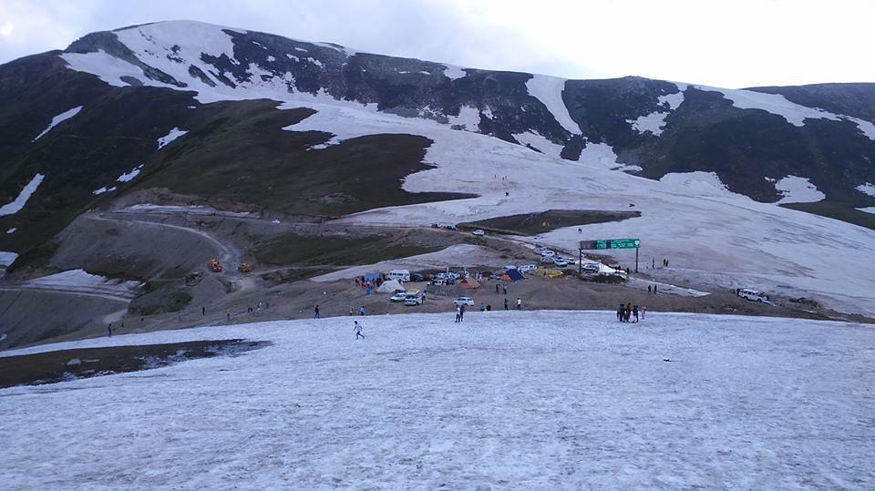 Fresh snowfall at Sinthan Top
