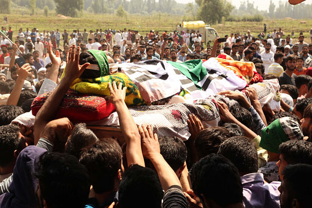 People Attend Aadil's Funeral at Midoora Tral