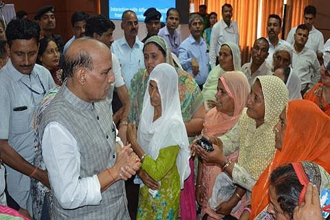 Cash relief to Kashmiri migrants raised by 30%