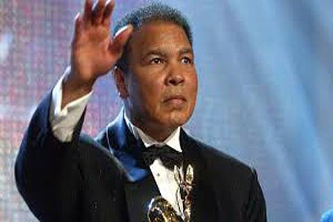 Trump mulls posthumously pardoning Muhammad Ali