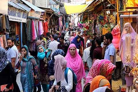 Ahead of Eid, profiteers rule the roost in Srinagar