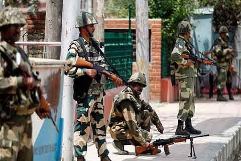 10 BSF men heading to J&K go missing in UP