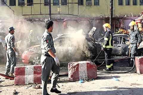 Suicide bomber kills 19 in Afghanistan