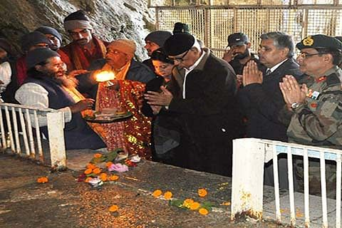 Guv to visit Baltal, forward camps today