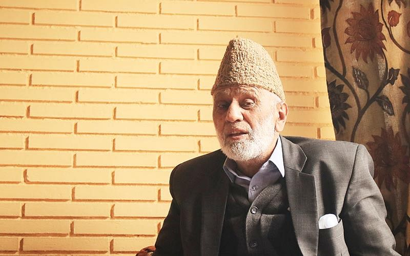 Sehrai demands return of Mudasir's body to family