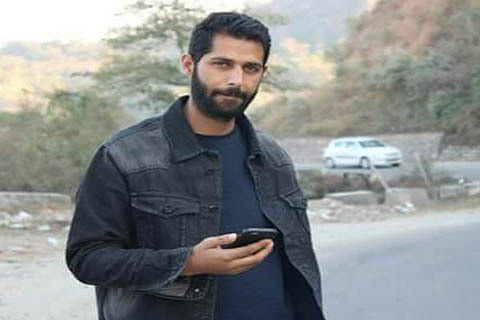 Militants abduct policeman from Shopian village