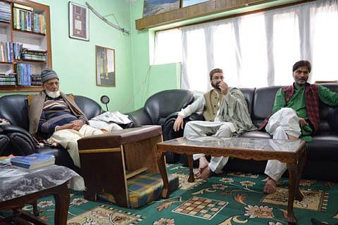 JRL calls for Kashmir shutdown tomorrow against shifting of Asiya Andrabi to Delhi by NIA