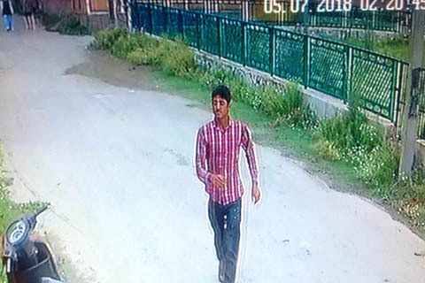 Police seeks help to identify suspect in two-wheeler theft case