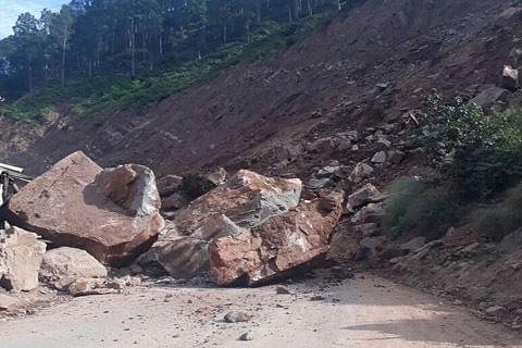 Two labourers die in Reasi landslide