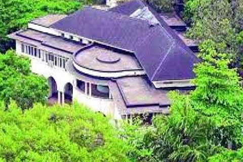 Jinnah House row: HC allows Nusli Wadia to replace his mother as petitioner