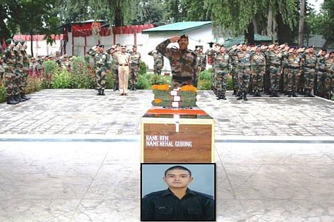 Jammu and Kashmir: Army pays tribute to soldier killed in Keran explosion