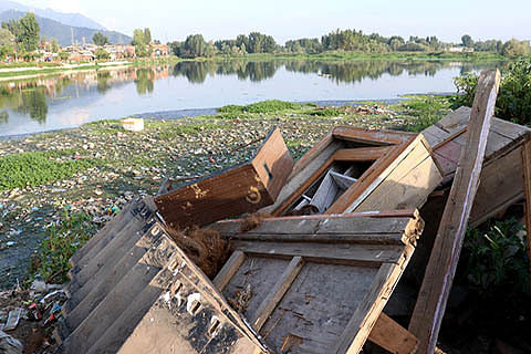 Official apathy pushes Brari Nambal lagoon on verge of extinction